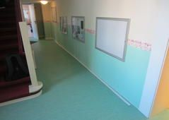 Fußbodenbelag und Wandbeschichtung